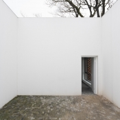 W house - courtyard © Iwan Baan