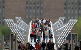 Norman Foster's Millenium Bridge